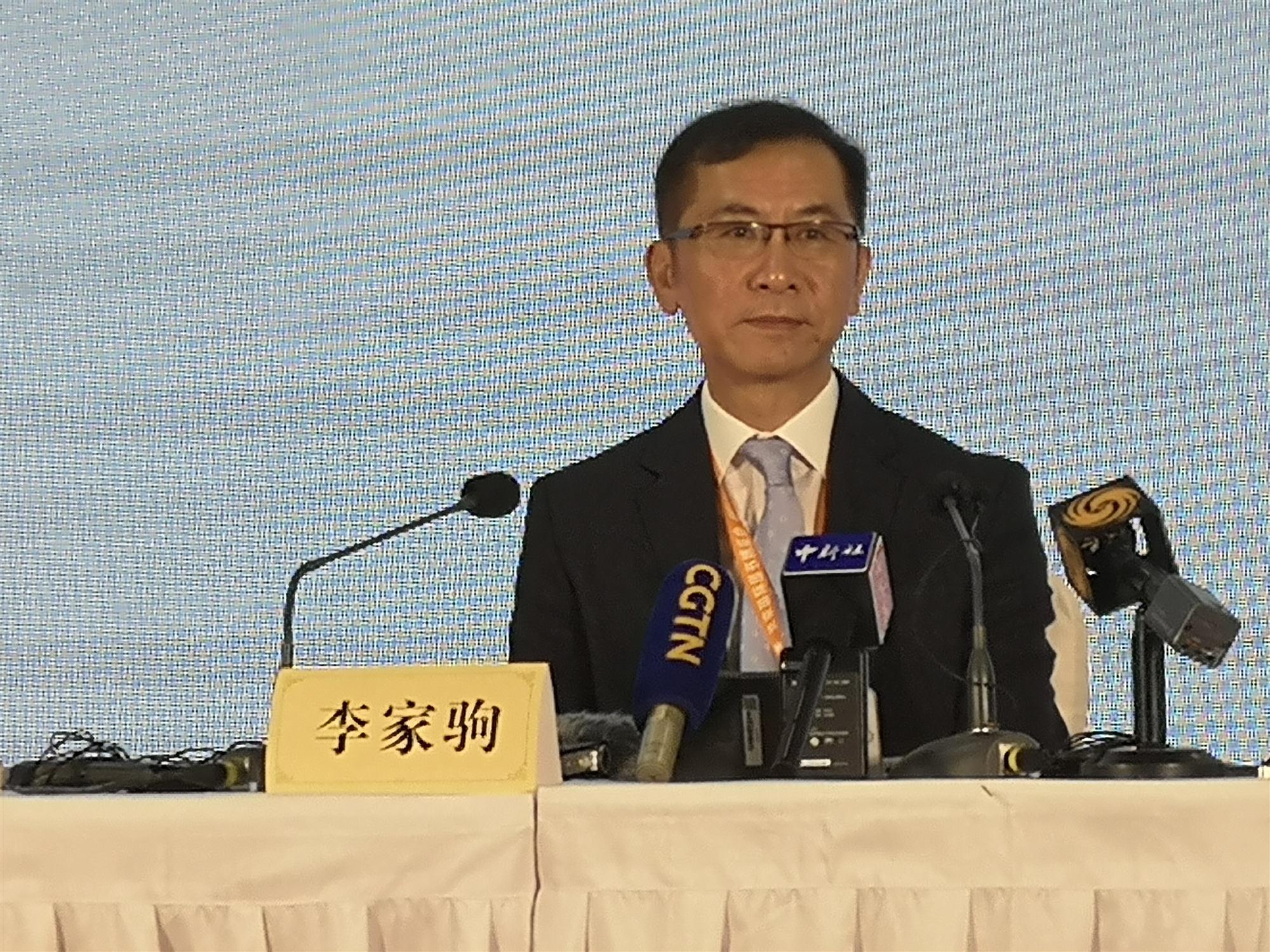 香港出版總會:譴責暴力事件 將為青少年出版更多正能量讀物