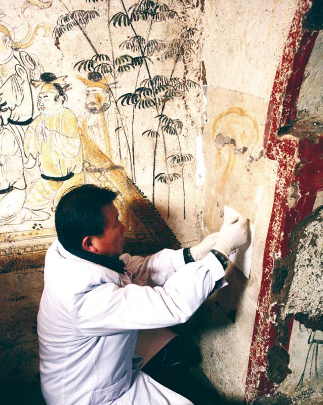 還原大唐盛世的繁榮與奢華 唐墓壁畫封存千年重見天日