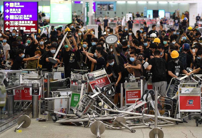 ?禁令延长 阻塞机场交通可被控藐视法庭