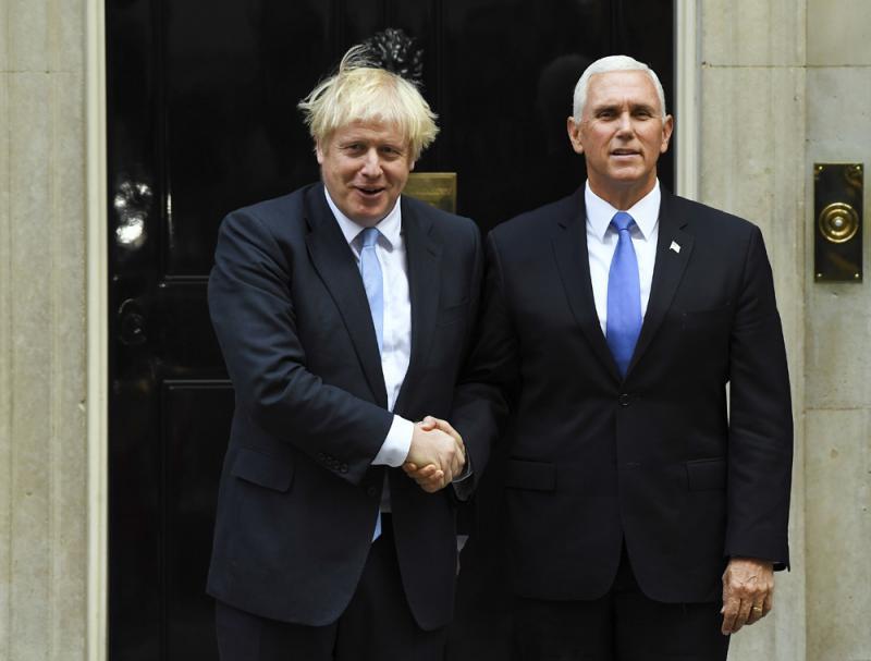 """?公然支持英国脱欧 彭斯访爱""""羞辱""""东道主"""