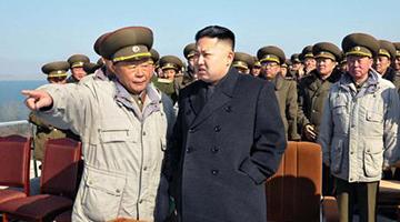 """金正恩再次指导超大型火箭炮试射 称""""令人满意"""""""