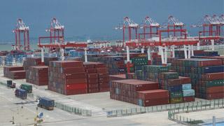 商务部:1-8月进出口20.13万亿增3.6% 顺差扩大46%