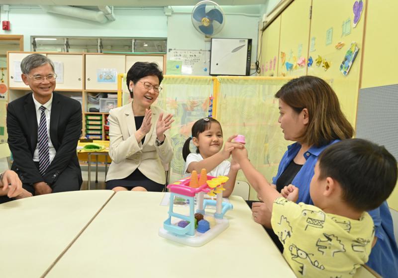 ?特首:续投放资源为儿童成长创造好环境
