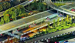 巨型导弹穿街展示 第二次国庆䌽排彩车重器露真容