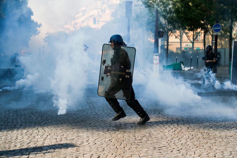 ?巴黎环保遊行变骚乱 164人被捕