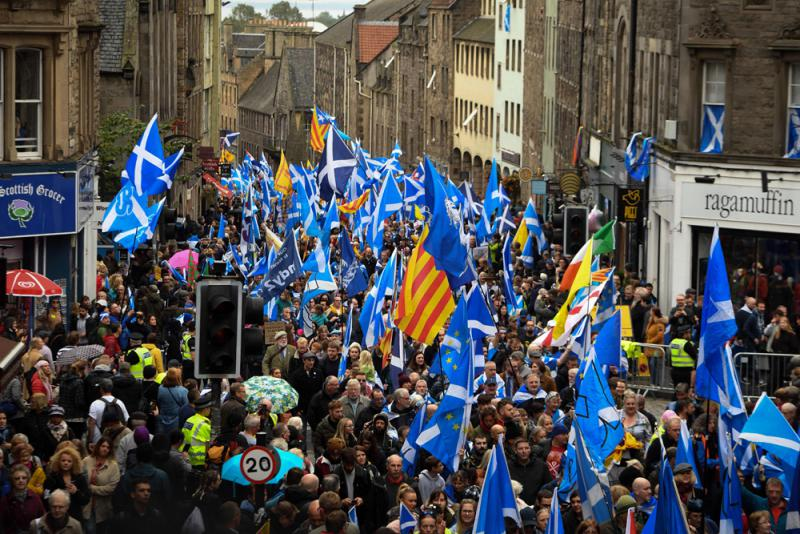 蘇格蘭逾20萬人遊行 要求再辦獨立公投
