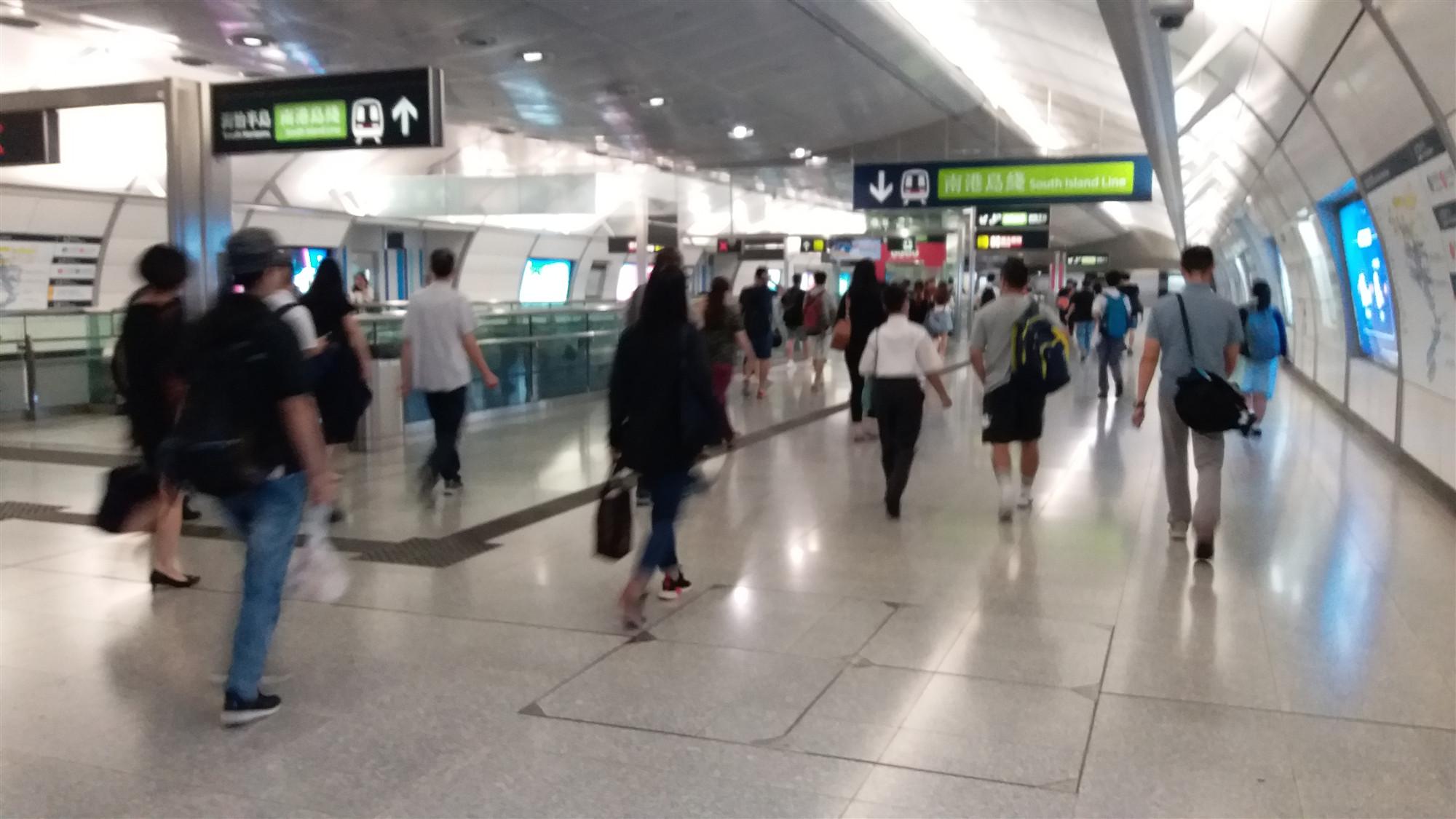 港鐵今重開大部分車站 九巴城巴維持正常服務