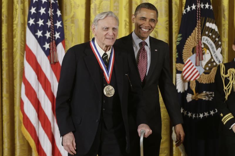 97歲最高齡得主 未賺一分專利費