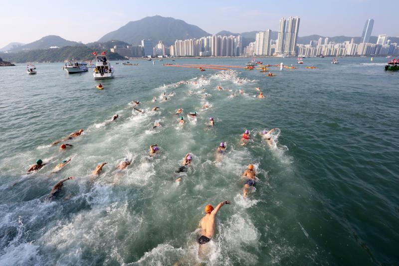暴乱再搞祸大型活动 维港泳乒球团体赛取消