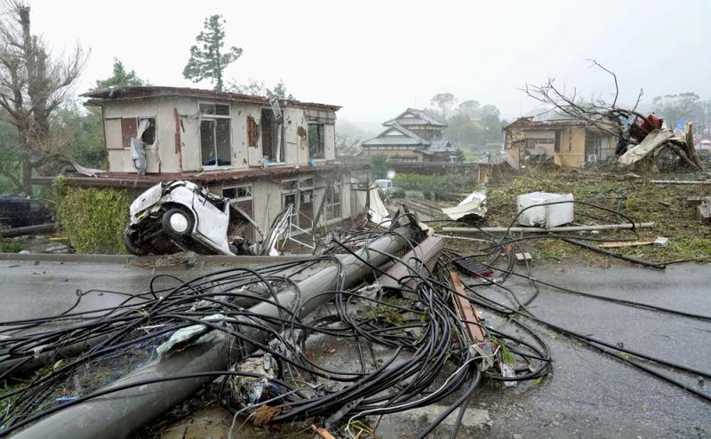 """61年最强颱风 """"海贝斯""""袭日2死60伤"""