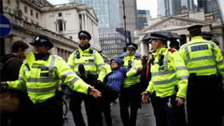 """?禁""""反抗灭绝""""示威 英警拘1642人"""