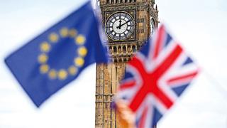 """反对!英国""""脱欧""""新协议引发多个政党炮轰"""