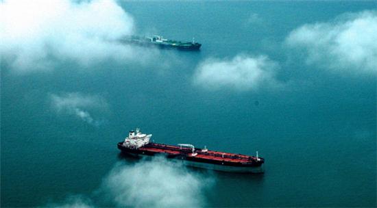 全球超大型油轮运价暴涨,中国远洋、光汇石油等国内全产业链平台获利