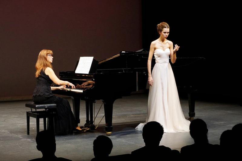?俄音乐家亚洲首演奏响香江
