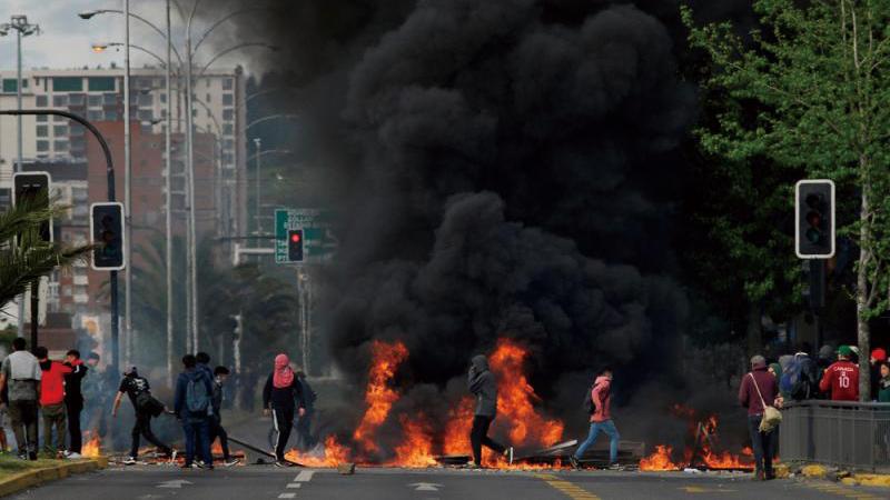 ?智利暴亂釀11死 軍方延長宵禁