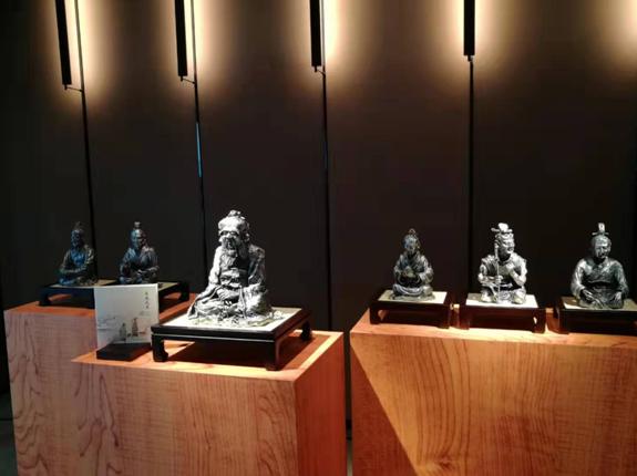"""皇家雪蘭莪""""有教無類""""系列精品雕塑北京首發"""