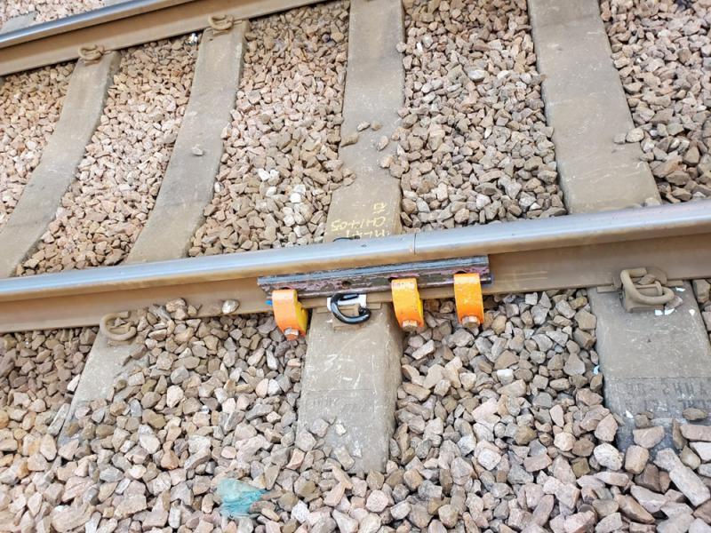 ?鋸毀輕鐵兩站路軌 暴徒攬炒隨時翻車