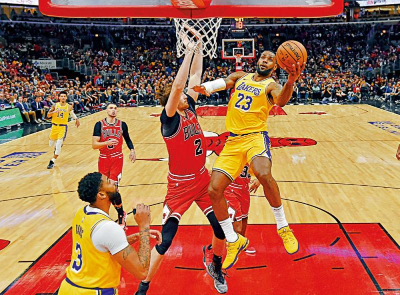 ?美国职业篮球联赛\占士率湖人宰杀公牛