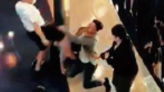?暴徒乱港|暴徒全港砸商场 抢犯殴警