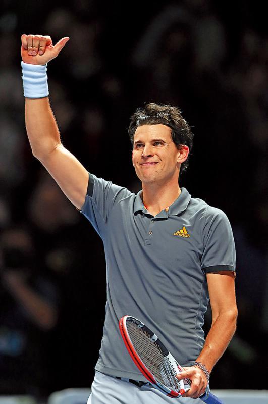 ?网球总决赛\费达拿再负泰姆拍下
