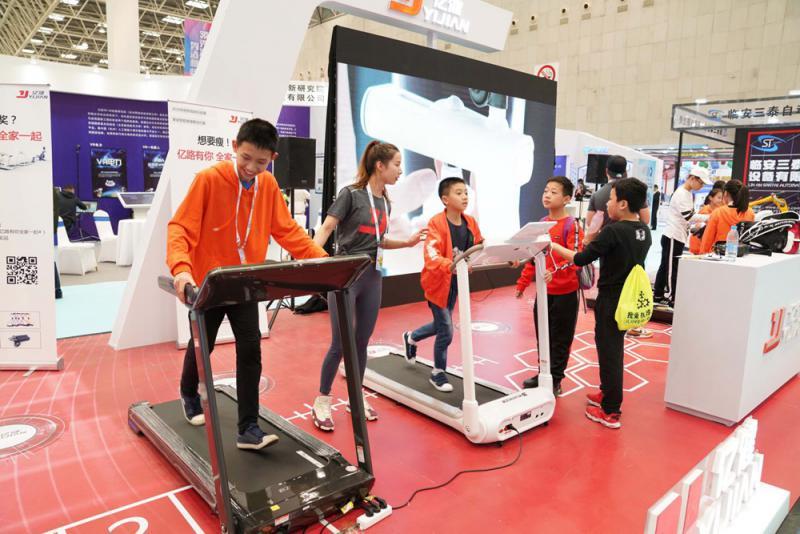 ?中国经济/消费力崛起 得小镇青年者得天下/[大公报记者]刘蕊河南报道
