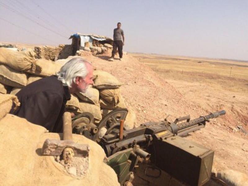 ?新闻追踪\美国神棍大起底 曾售军火予叙国平民