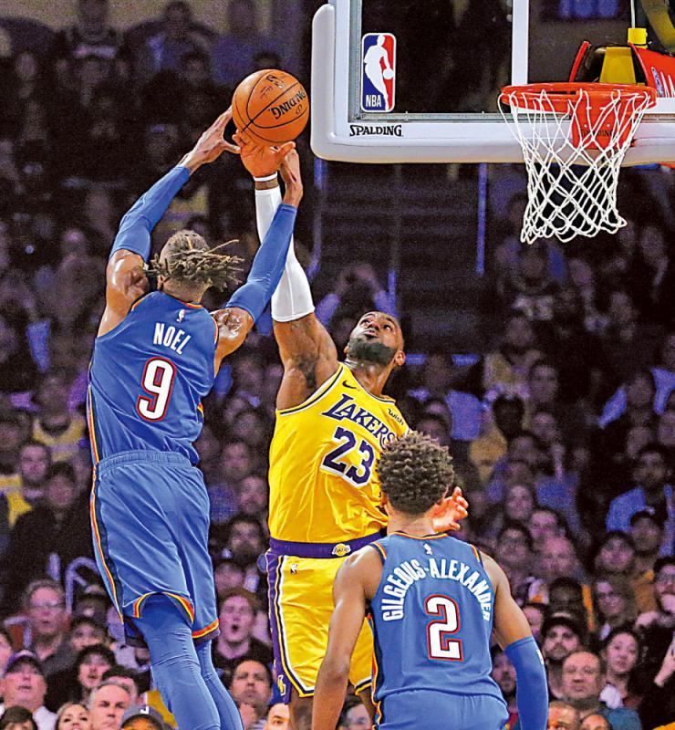 """?美国职业篮球联赛\占士对阵30队皆""""三双""""成第一人"""