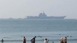 ?國產航母現身海南三亞