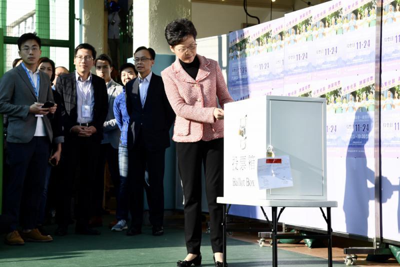 特首:冀港走出困局重新出发/大公报记者陈瑞秋
