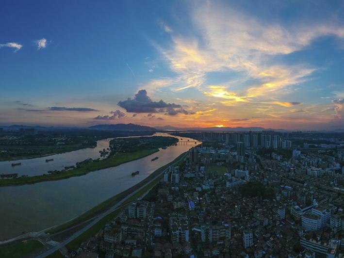 陈伟杰《北江大堤》