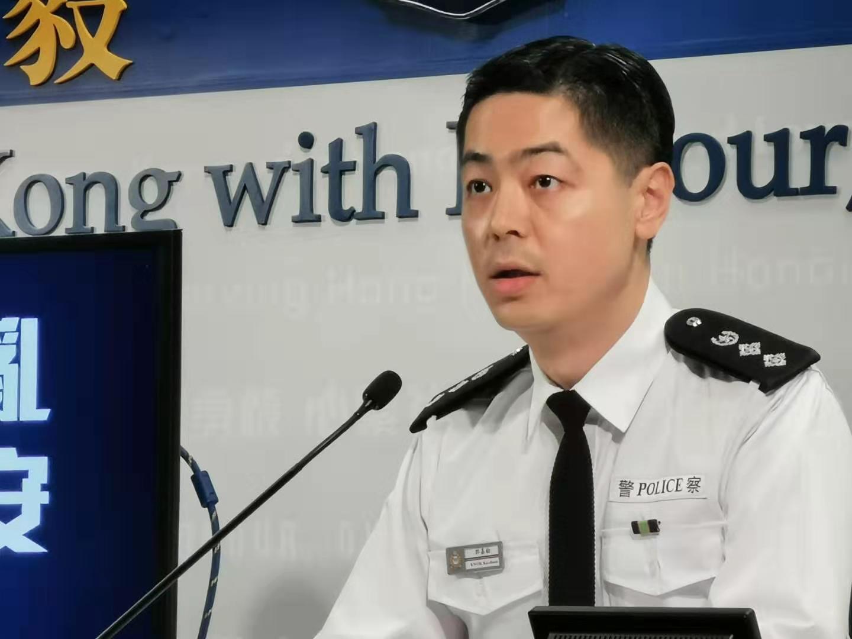 警方:暴徒以坑渠蓋重擊市民頭部 行為毫無理智