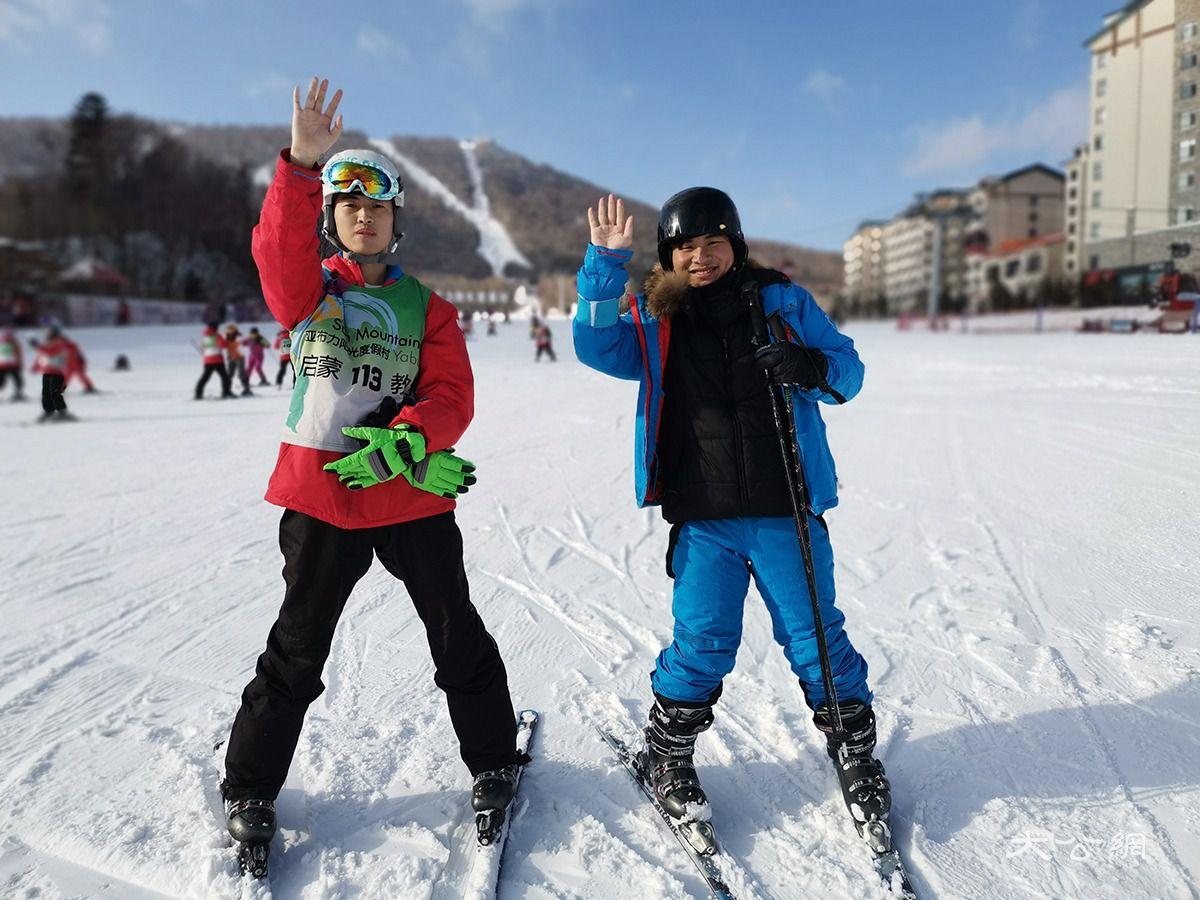 激情170天 亚布力史上最长滑雪节迎海内外发烧友