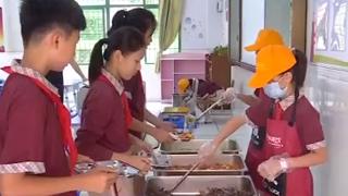教育部等五部门:农村学校食堂不得对外承包或委托经营
