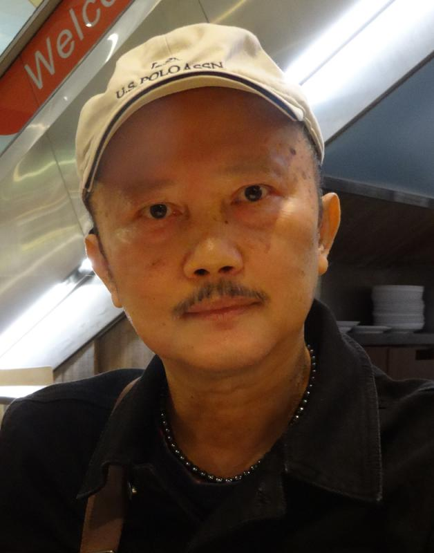 谢金福无师学艺爱画马\家禽报记者 刘 毅