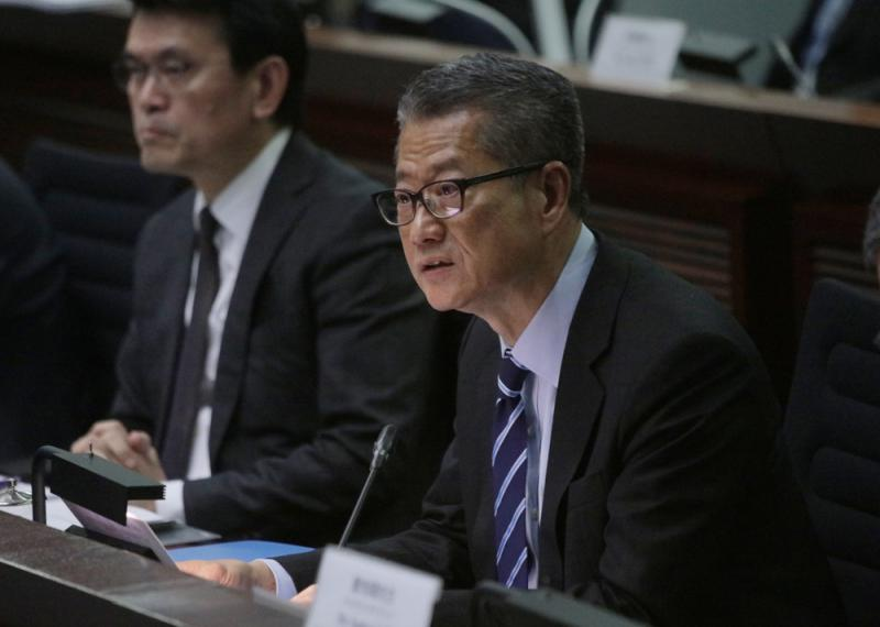 陈茂波:乞外力制裁出卖港利益/大公报记者龚学鸣