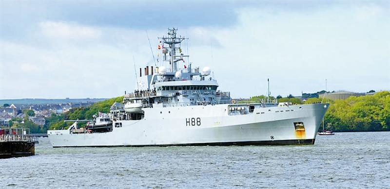 ?英军测量船过台海 网友讽刷存在感