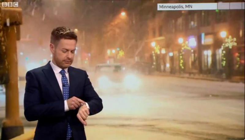 ?BBC主播稱積雪嚴重 Siri插嘴:預報有錯