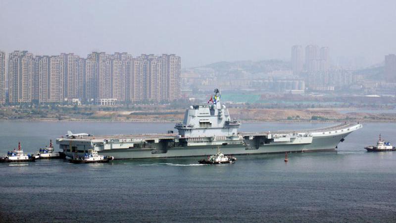 社 評/國產航母服役是大國崛起象征