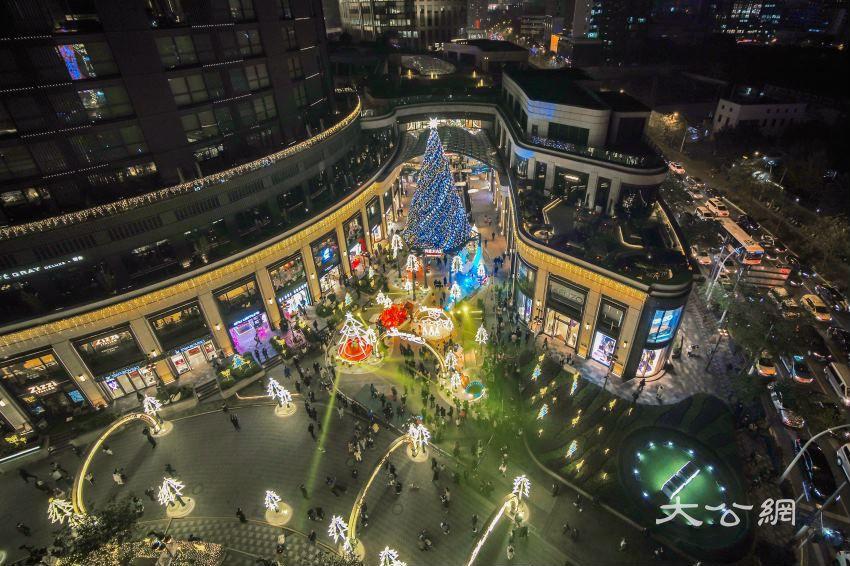 圣诞结合夜经济 港商沪上谋新发展