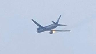 波音767客机飞行中引擎起火 乘客:飞瞬间有爆炸声