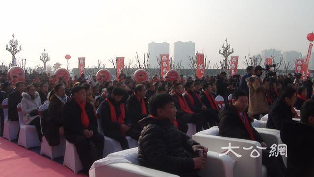 文旅融合示範項目江北水城歡樂小鎮啟動儀式舉行