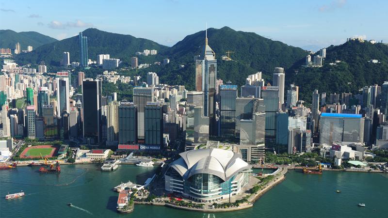 社 评/世界动荡不安 香港如何自处