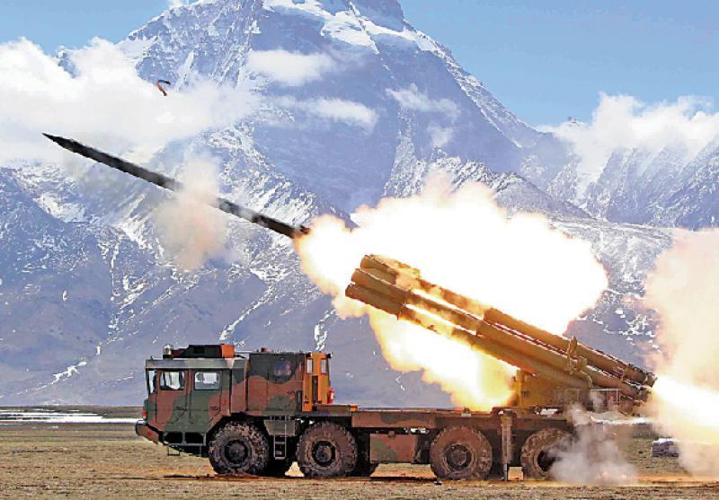 ?03式火箭炮:弹种多样百里破装甲