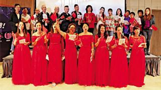 ?香港市民自发办音乐会 唱出撑警正能量