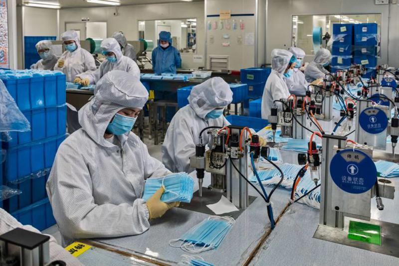 口罩生产加急 新纶科技的员工彻夜无眠
