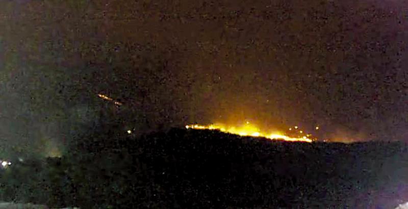 ?日新岳火山爆发 喷烟高达七千米
