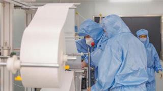 人社部:目前食品藥品防護服生產等行業用工需求較大