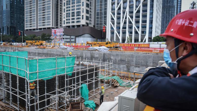 湾区建设提速 深中通道千人复工