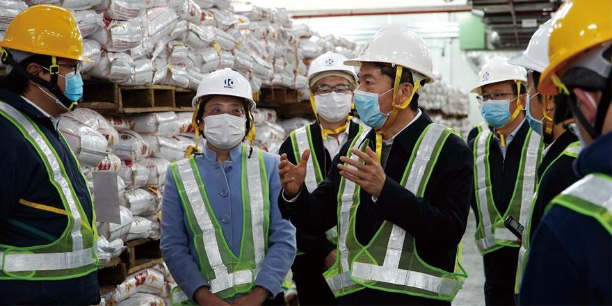 骆惠宁:在港中资企业显担当 共同打赢防疫战