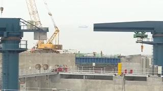 深中通道复工后首个重大进展:2万吨浮运坞门预制完成